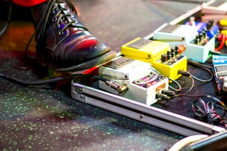 Adult Mom pedalboard - Joe Medlen