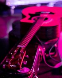 taylor guitar - Joe Medlen